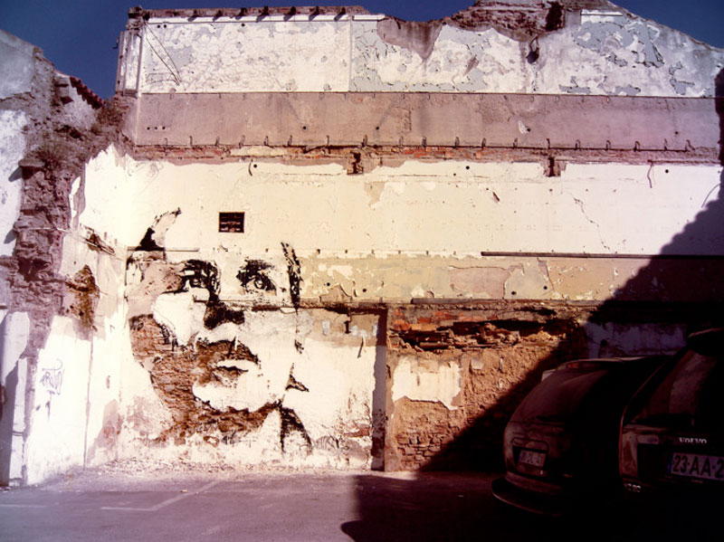portraits chiseled into walls street art vhils alexandre farto 6 15 Street Art Portraits Chiseled Into Walls