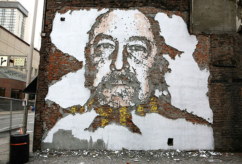 portraits chiseled into walls street art vhils alexandre farto 7 15 Street Art Portraits Chiseled Into Walls