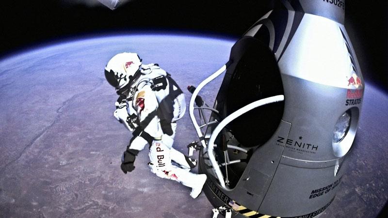 red bull stratos felix baumgartner space jump 18 21 Epic Photos of the Red Bull Stratos Space Jump