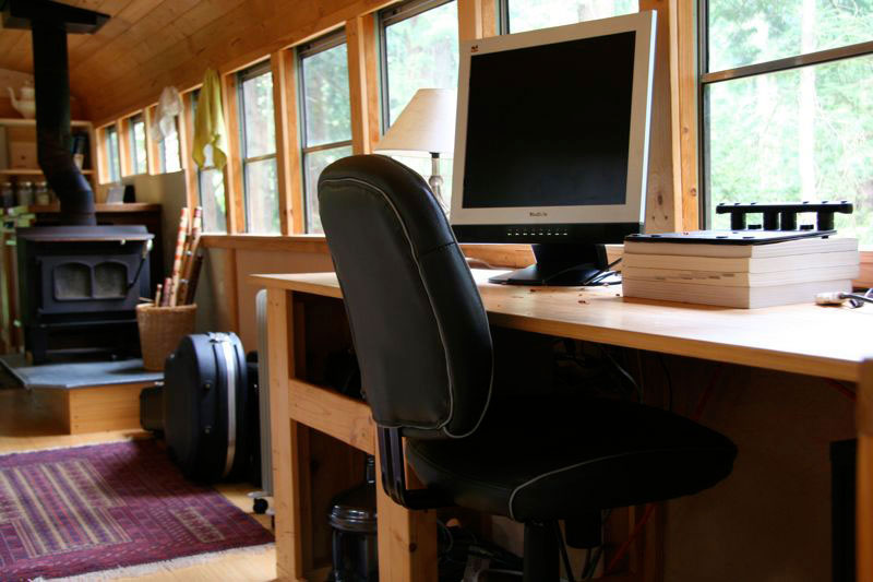 School bus converted into mobile home twistedsifter - An office turned into a home ...