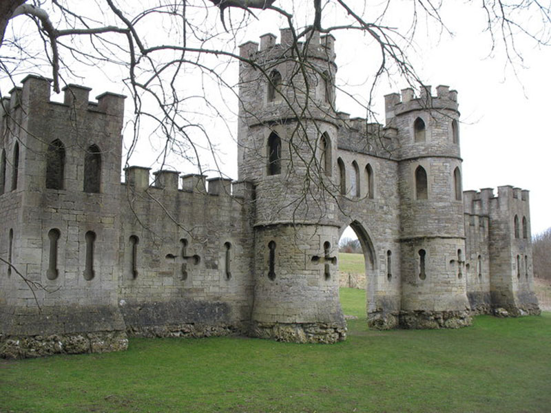 sham castle folly bathampton england 10 Extravagant Buildings That Serve No Purpose