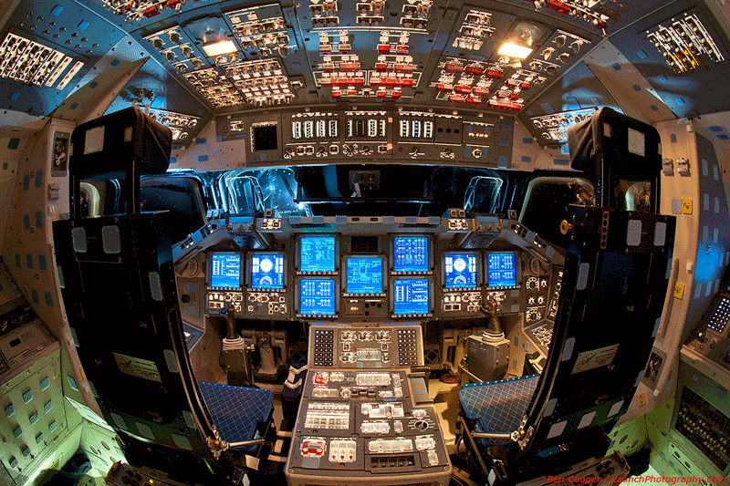 picture of the day what a space shuttle cockpit looks like