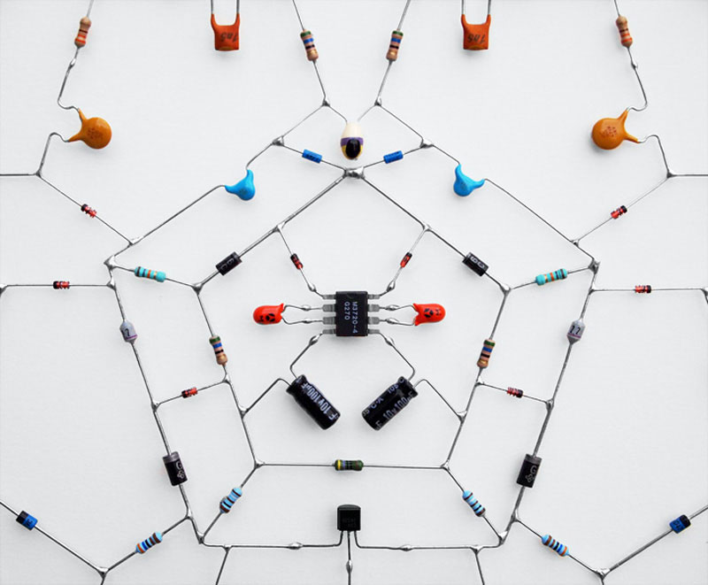 tech mandalas made from circuits leonardo ulian 31 Technological Mandalas Made From Circuitry