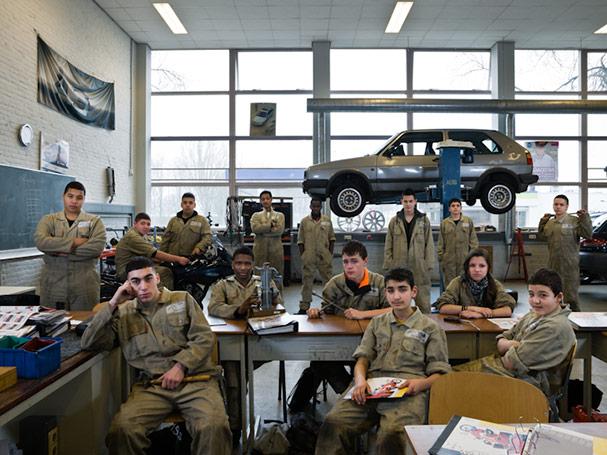 the netherlands rotterdam secondary group 3 motor mechanics classroom portraits julian germain 18 Classroom Portraits Around the World