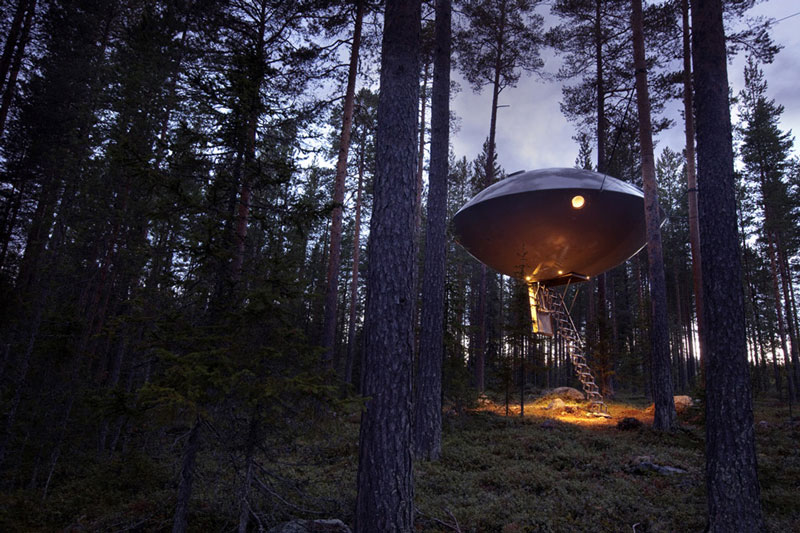 ufo room treehotel sweden 4 The Treehotel in Sweden for Nature Lovers