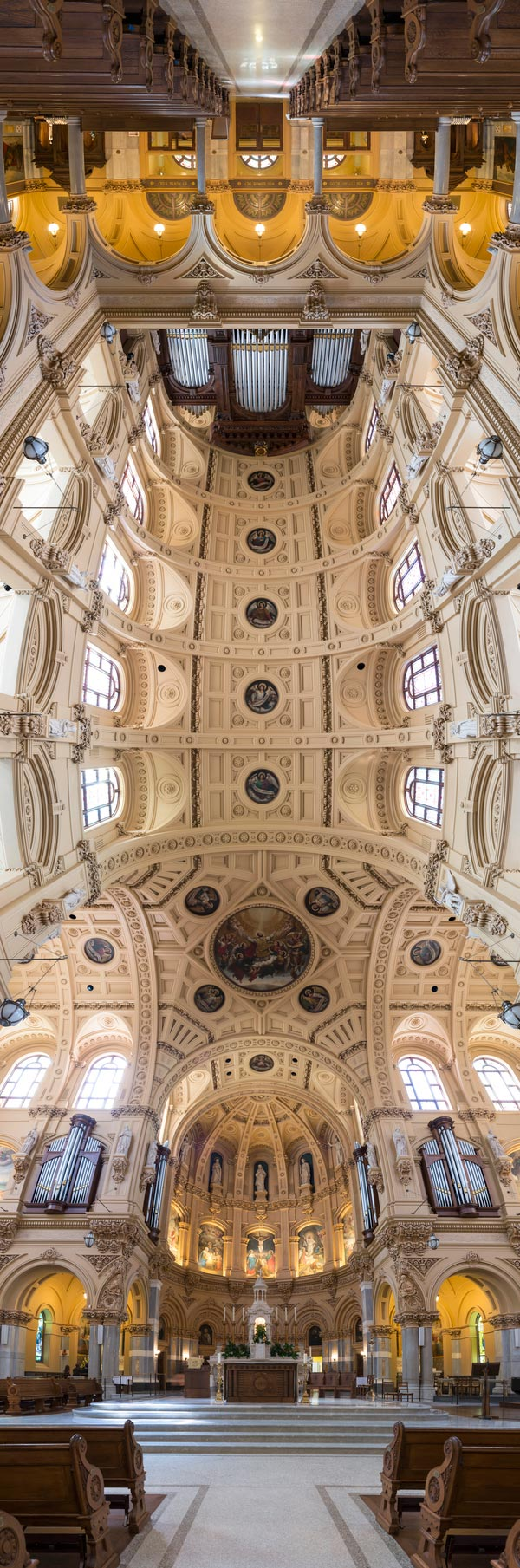 vertical panoramas of church ceilings 1 Amazing Vertical Panoramas of Church Ceilings