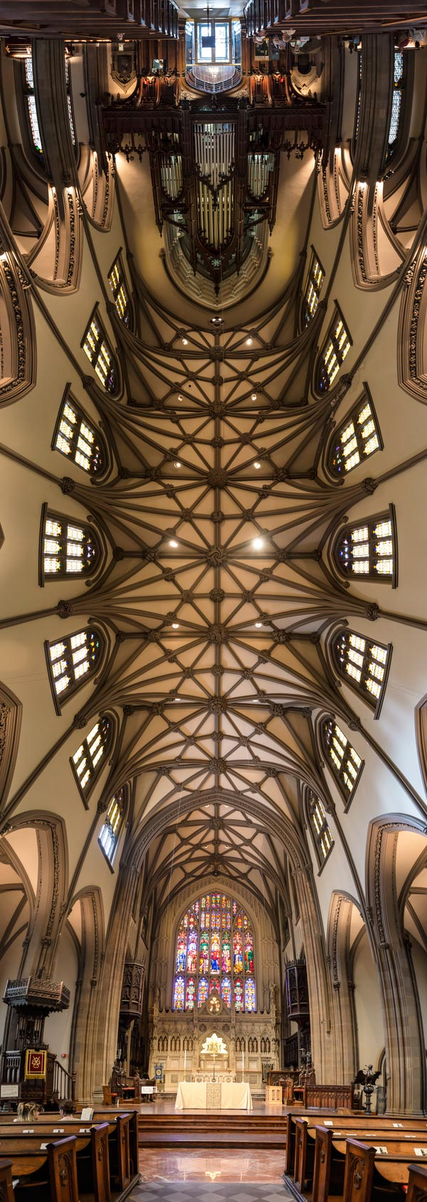 vertical panoramas of church ceilings 3 Amazing Vertical Panoramas of Church Ceilings