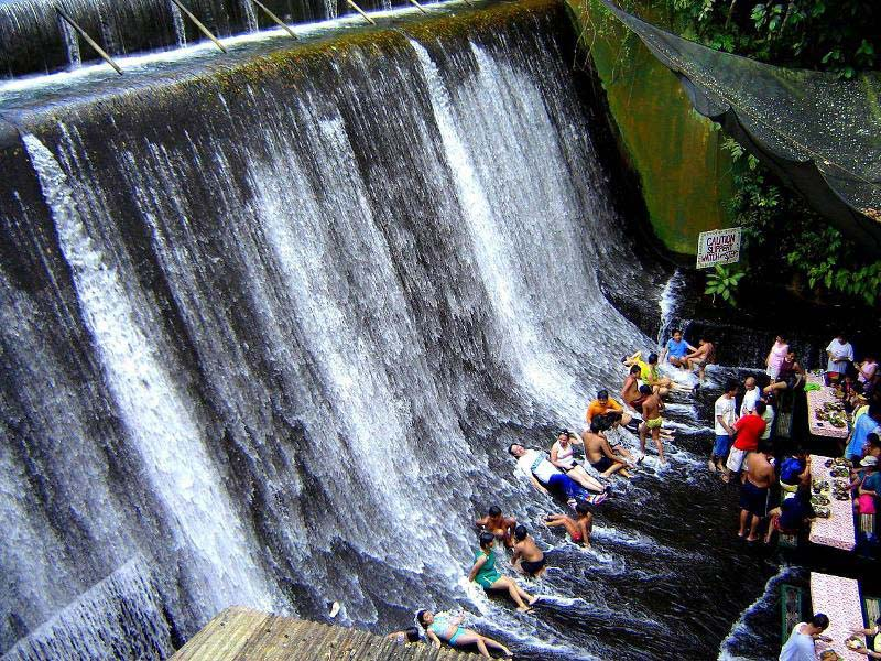 waterfall restaurant villa escudero phillippines 5 A Restaurant Beside a Waterfall