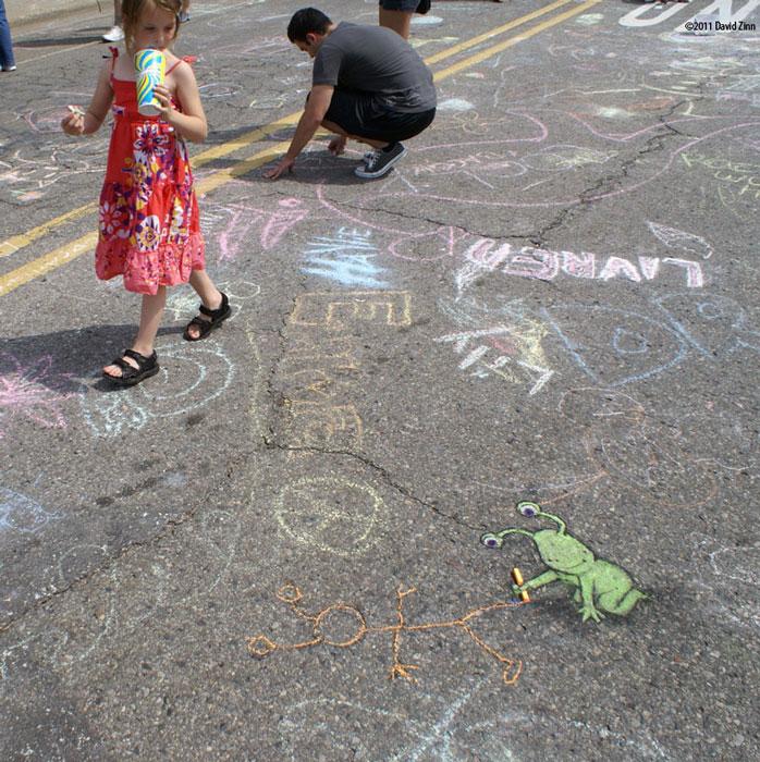 chalkfest sluggo by david zinn The Incredible 3D Chalk Art of David Zinn