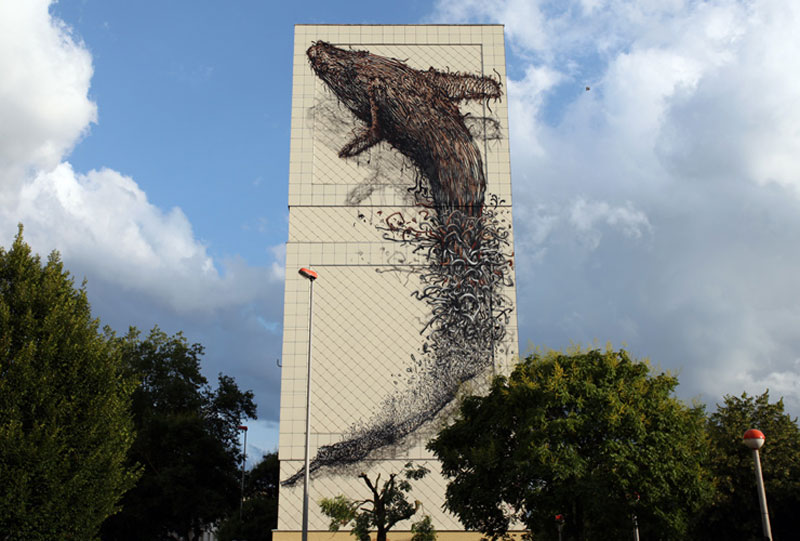 daleast cmelun france2011 Colossal Street Art by Sainer and Bezt