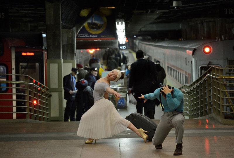 dancers among us grand central station orlando martinez sarahsadie newett The Dancers Among Us [21 Pics]