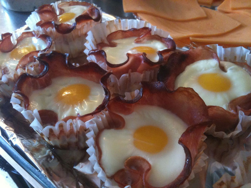 eggs cooked inside bacon cupcakes 12 Delicious Dishes Served Inside Other Foods