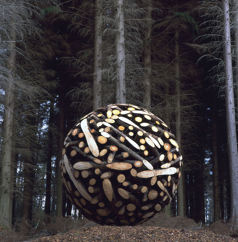giant wooden spheres lee jae hyo sculptures 1 Colossal Wooden Spheres Made from Interlocking Wood