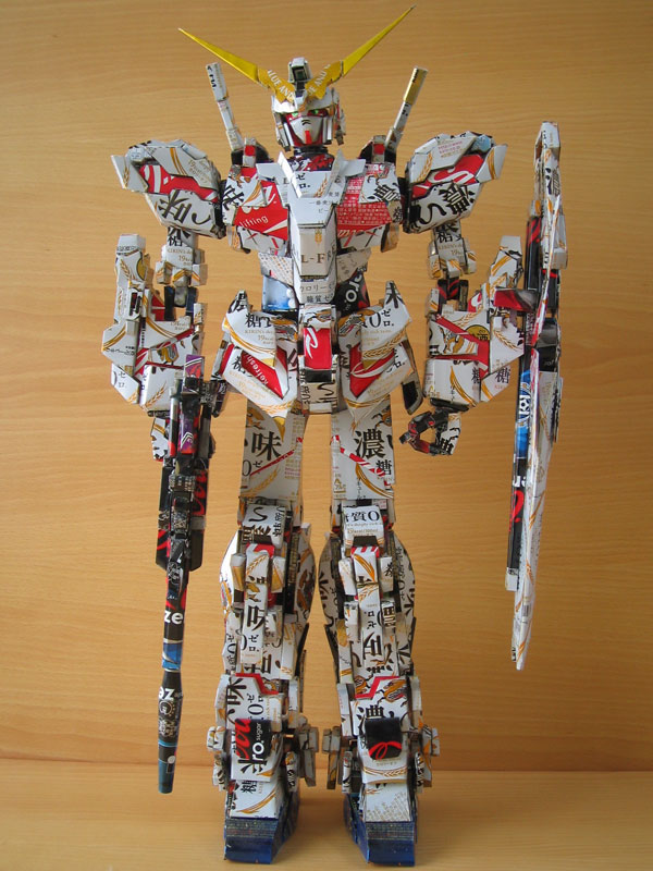 gundam  made from aluminum cans japanese artist makaon