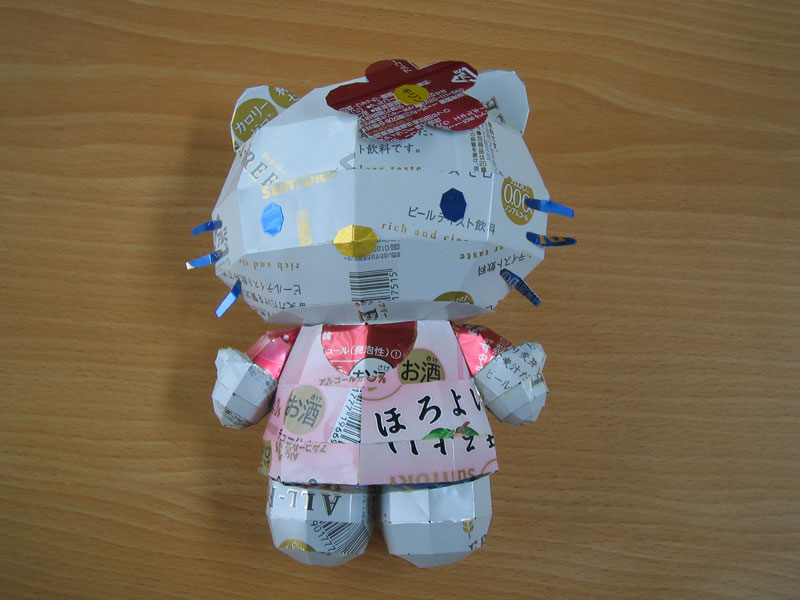 hello kitty  made from aluminum cans japanese artist makaon