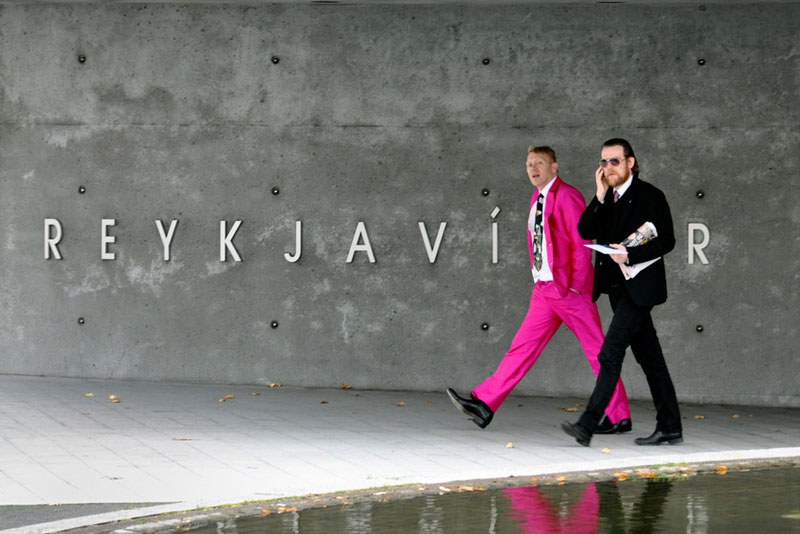 jon gnarr pink suit mayor of reykjavik iceland The Reykjavik Police Departments Instagram Feed is Pure Gold