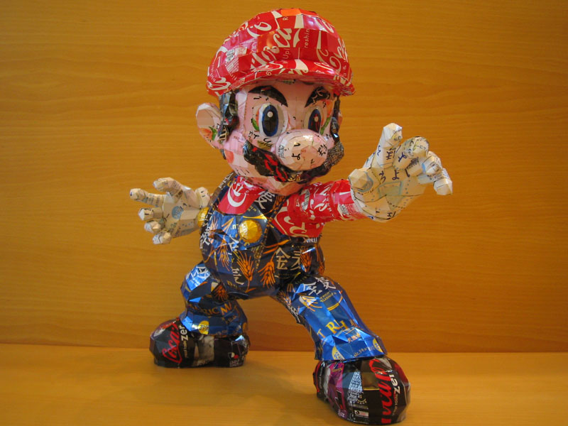mario made from aluminum cans japanese artist makaon Intricate Animal Sculptures Made from Wood Chips