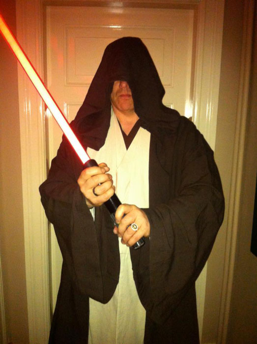 mayor of reykjavic jon gnarr dressed as a jedi 12 Reasons Why Jon Gnarr is the Worlds Most Interesting Mayor