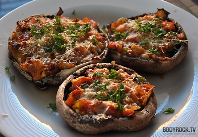 portabello mushroom pizza 12 Delicious Dishes Served Inside Other Foods