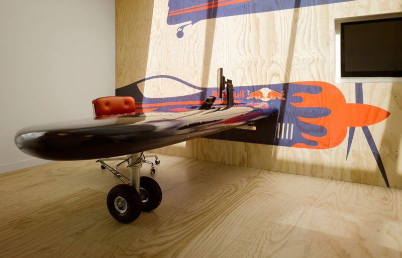 Red Bull Amsterdam's 'Shipping Yard' Office [25 pics]