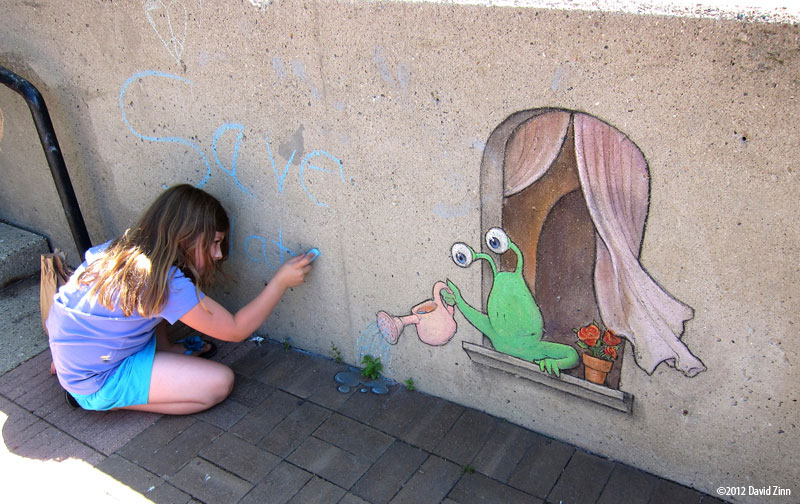 save water sluggo by david zinn The Incredible 3D Chalk Art of David Zinn