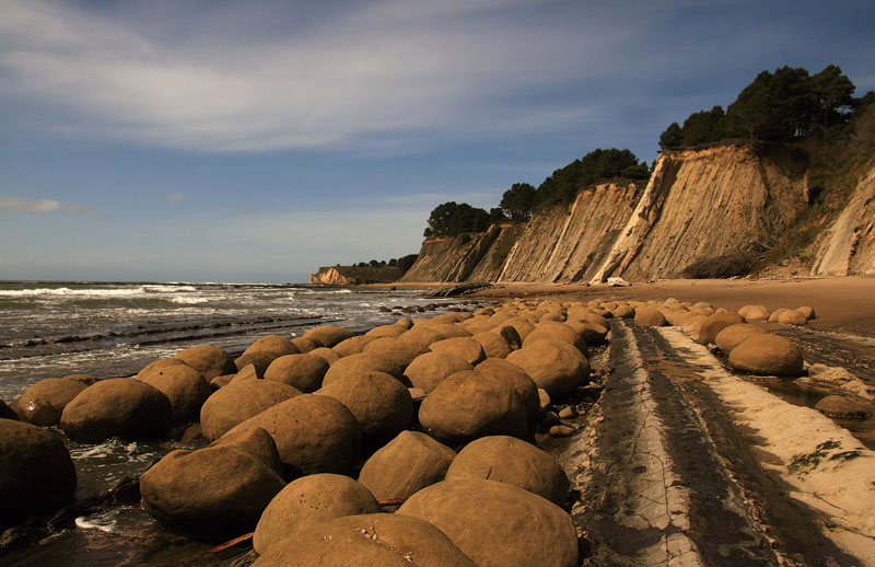 Picture of the Day: Bowling Ball Beach