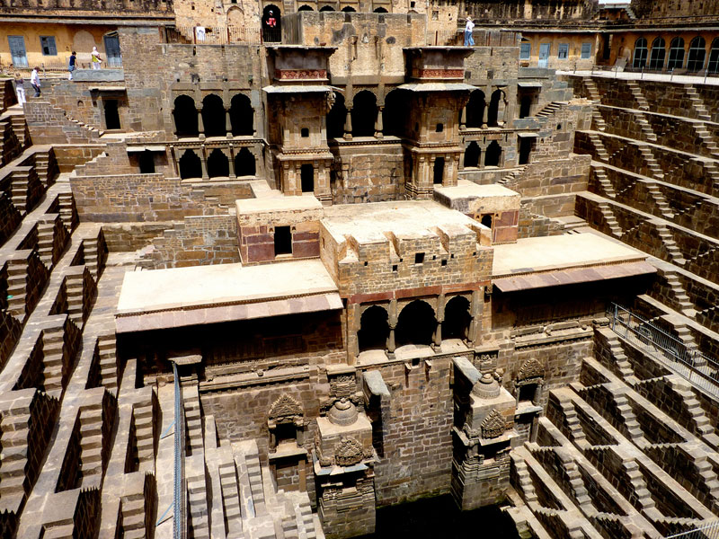 chand-baori-stepwell-in-india