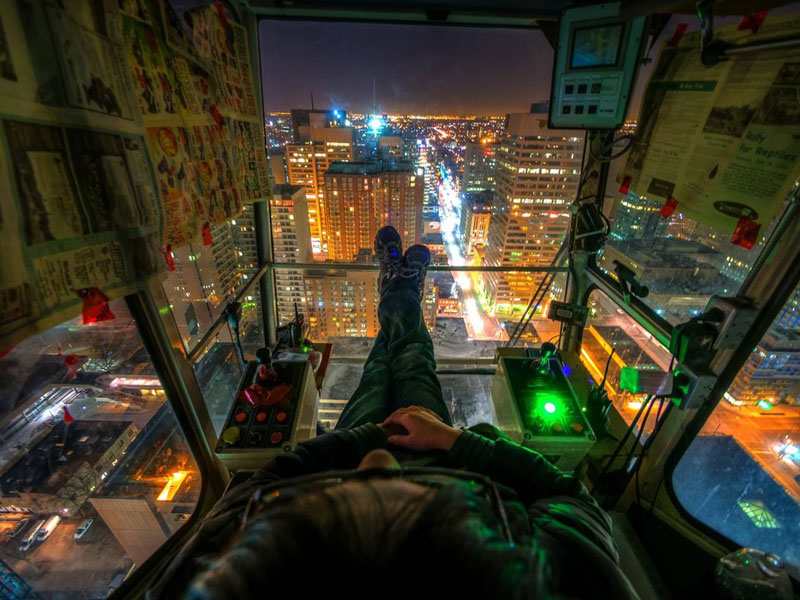 crane-operator's-view-night-time-toronto-rooftopping