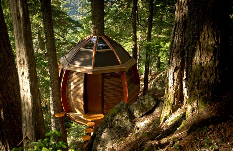 HemLoft secret treehouse hiding in the woods of whistler canada (1)