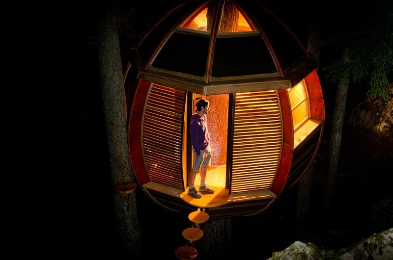 HemLoft secret treehouse hiding in the woods of whistler canada (11)