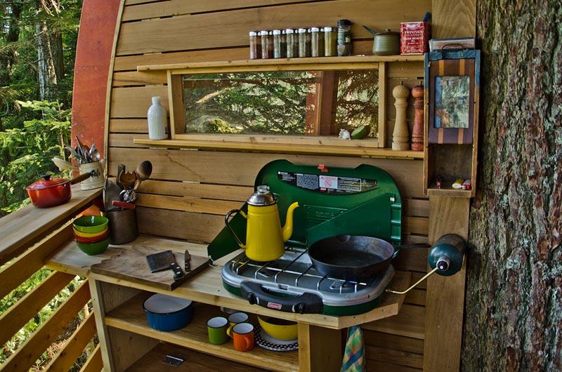 HemLoft secret treehouse hiding in the woods of whistler canada (6)