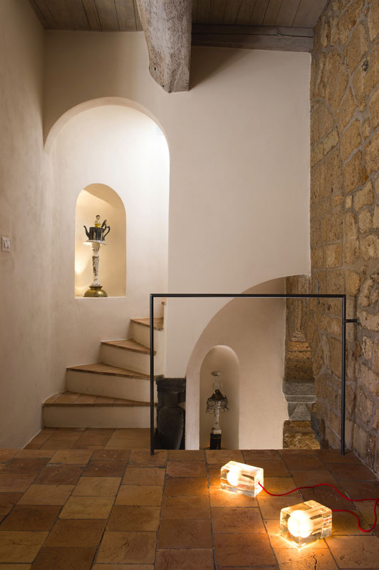 house with underground caverns domus civita studio f fradiani italy (12)