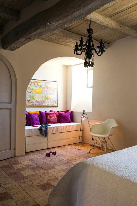 house with underground caverns domus civita studio f fradiani italy (16)