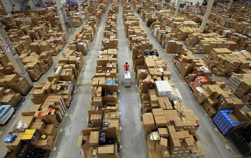 inside amazon s chaotic storage warehouses  twistedsifter