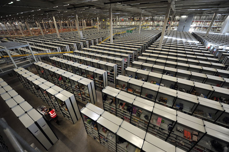 inside amazons chaotic storage warehouses 4 Inside Amazon's 'Chaotic Storage' Warehouses interesting cool amazon woow amazon warehouse amazon