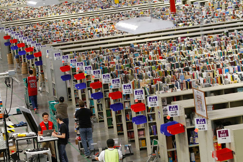 inside amazon's chaotic storage warehouses (5)
