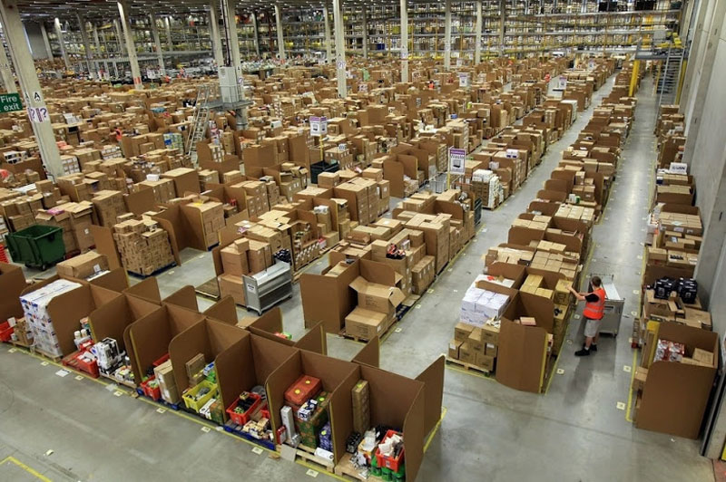 inside amazons chaotic storage warehouses 7 Inside Amazon's 'Chaotic Storage' Warehouses interesting cool amazon woow amazon warehouse amazon