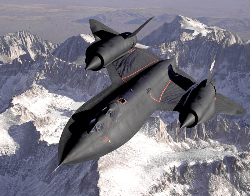 lockheed sr 71 blackbird fastest plane in the world 6 Photos of Planes Flying Directly Overhead