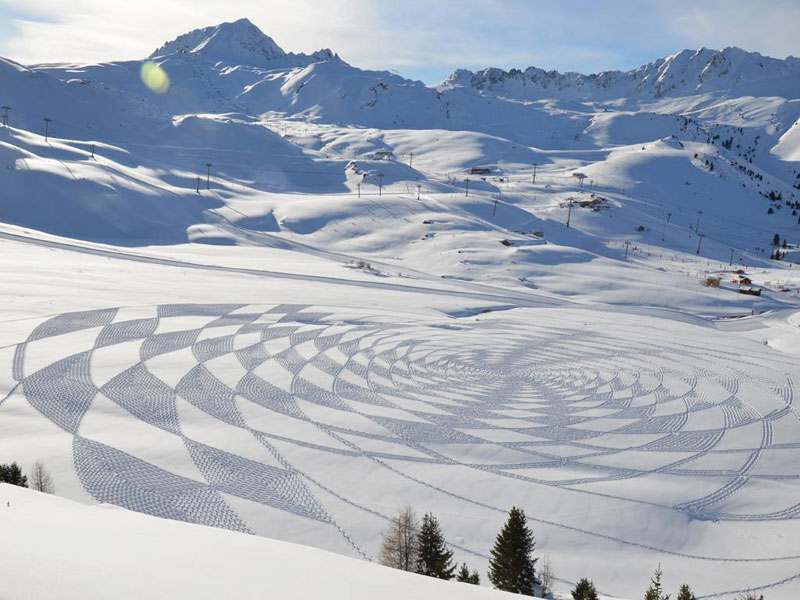 Artist Creates Masterpieces in Snow Covered Grounds - YouTube