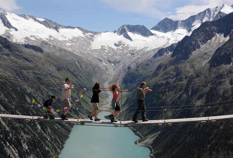 Picture Of The Day Hanging Bridge In The Zillertal Alps Twistedsifter