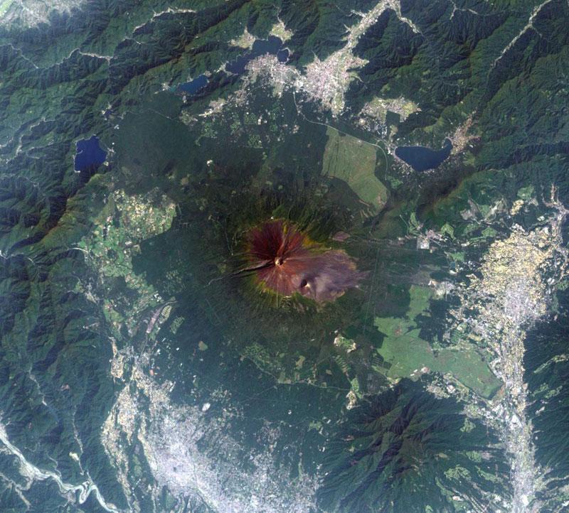 Citra satelit andsat gunung Fuji Jepang