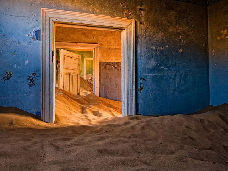 Picture of the Day: The Ghost Town ofKolmanskop