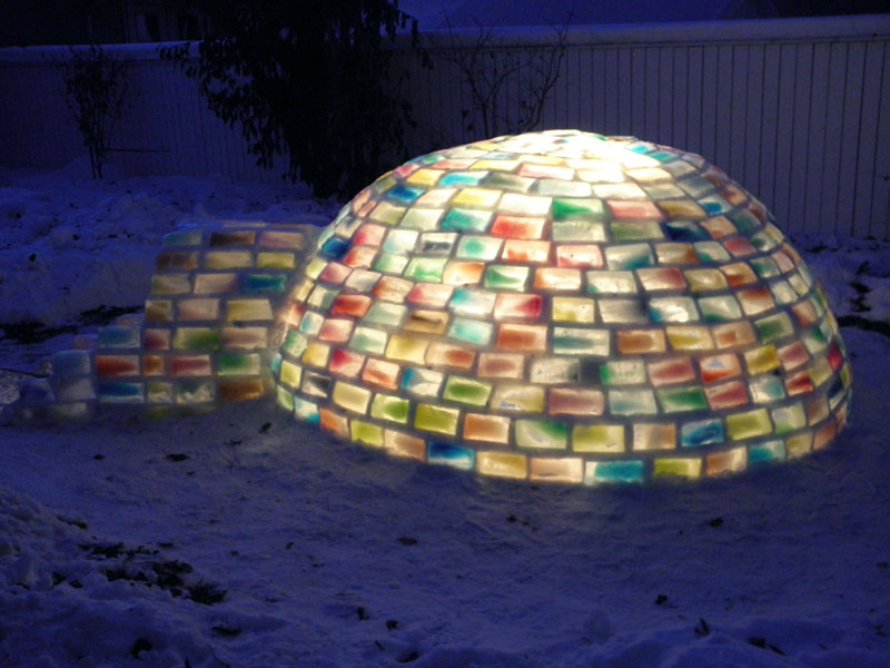 how to make rainbow colored igloo using milk cartons (10)
