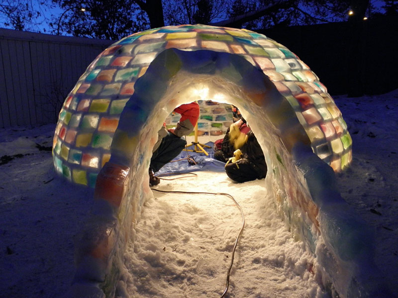 how to make rainbow colored igloo using milk cartons (12)