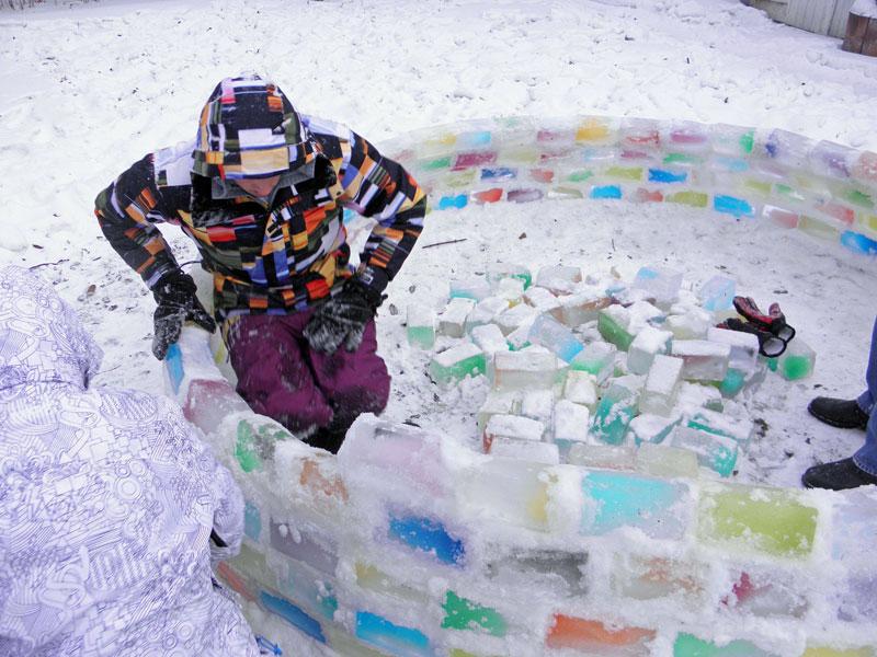 how to make rainbow colored igloo using milk cartons (6)