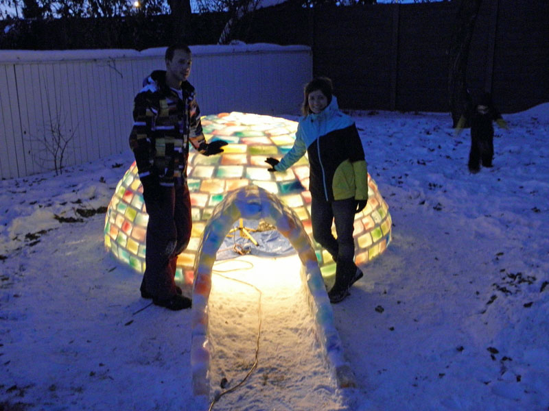 how to make rainbow colored igloo using milk cartons (9)