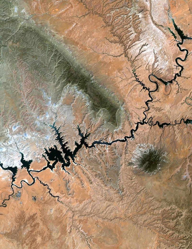 lake powell landsat satellite imagae 15 Surreal Satellite Images of Earth