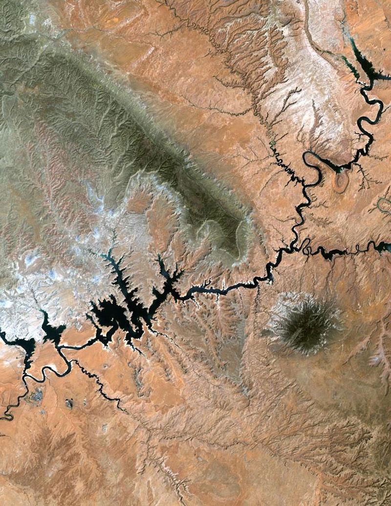 lake powell landsat satellite imagae 15 Surreal Satellite Images of Earth