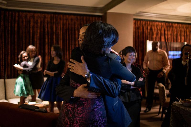 obama on election night hugging