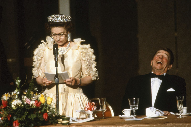 queen elizabeth toast and reagan 15 Banknotes that Show Queen Elizabeth Age from a Child to an Elderly Woman